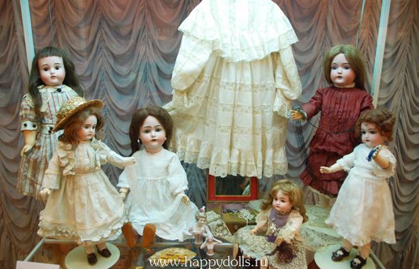Выставка антикварных кукол