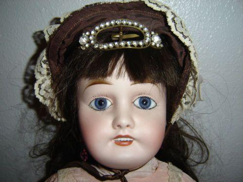 8806b0ec40d85b1d26b0746c68a04987--limoges-antique-dolls