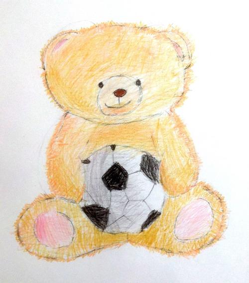 «Медвежонок футболист». Рисование с натуры. Цветные карандаши. Аня, 6 лет.
