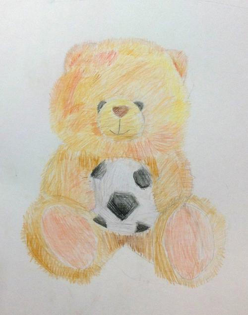 «Медвежонок футболист». Рисование с натуры. Цветные карандаши. Настя, 8 лет.
