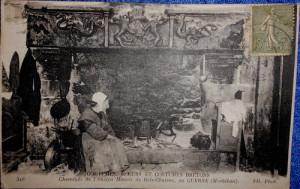 Cheminée de l'ancien Manoir de Bois-Charmé au GUERNE (Morbihan)