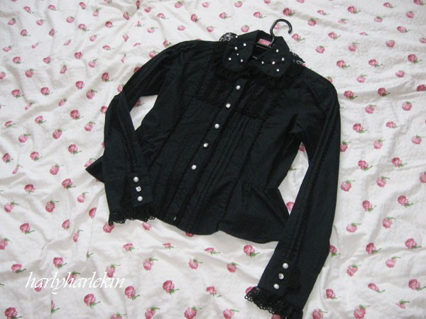 ap_black_blouse