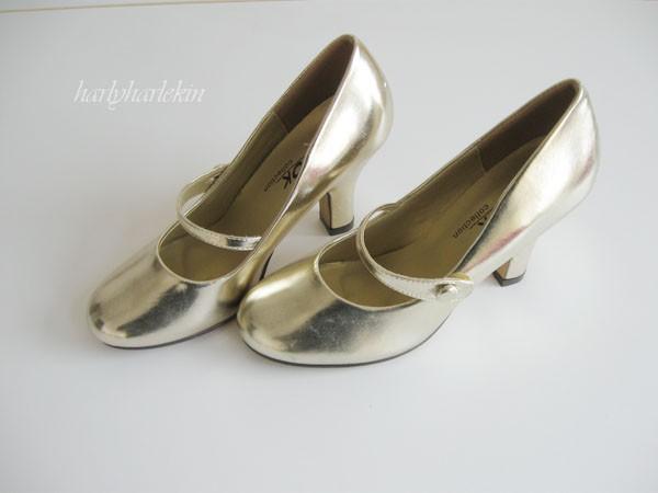 shoe-gold