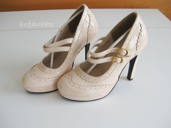 shoe-pinkbeige