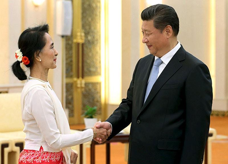 Встреча Аун Сан Су Чжи с председателем КНР Си Цзинь-пином