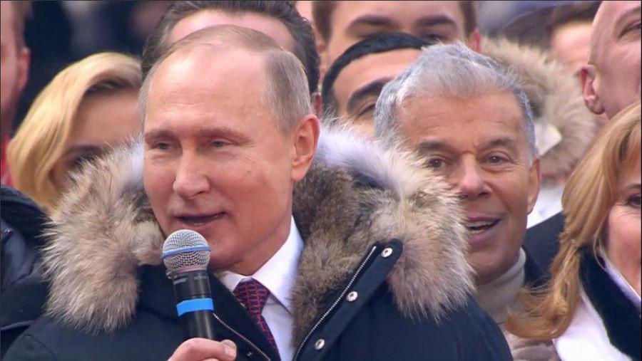 """""""Ближайшее 10-летие пройдет под знаком наших ярких побед"""": Россияне поддерживают Владимира Путина"""