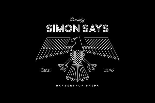 simon_says-tee-liggend