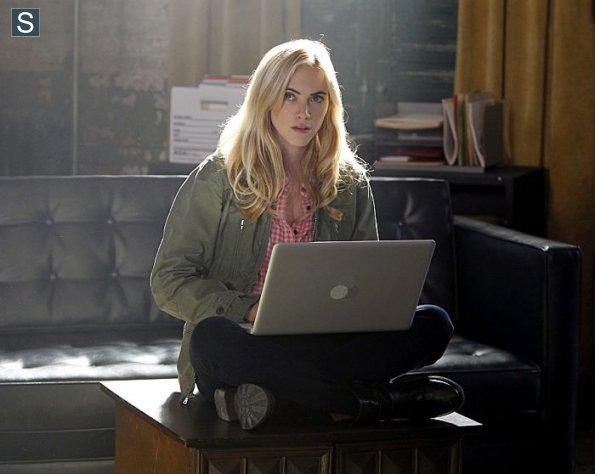 NCIS-Season-11-Episode-18-1_595_slogo