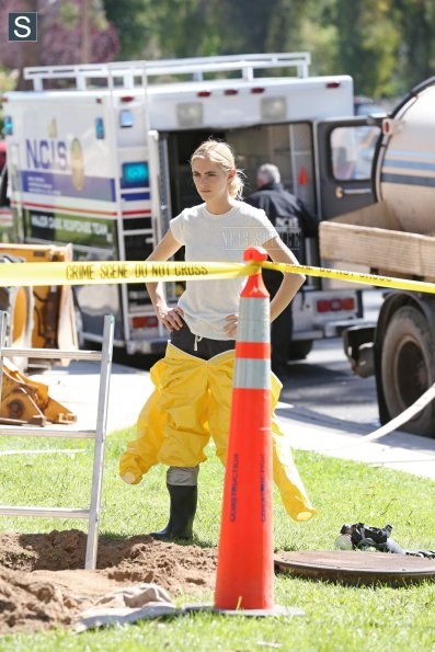 NCIS - Episode 11.23 - The Admiral's Daughter - Promotional Photos (6)_595_slogo