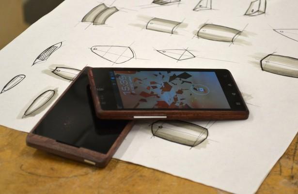 Инновационный телефон ADzero с корпусом из бамбука