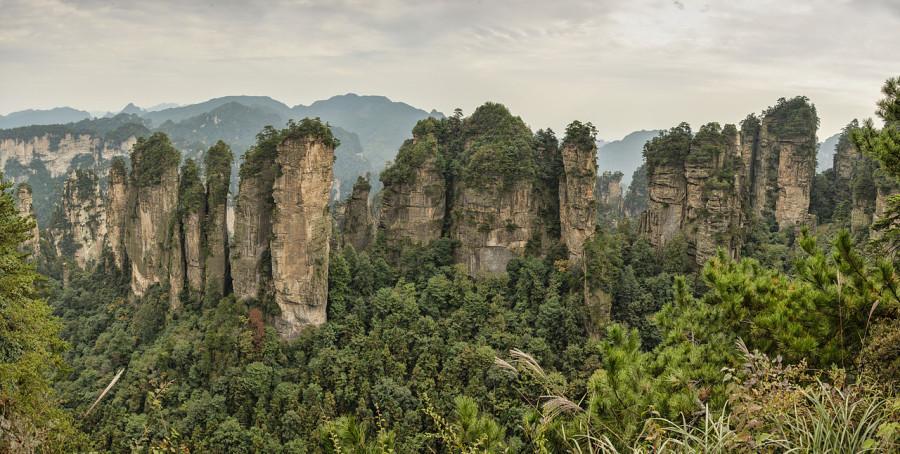 1280px-1_zhangjiajie_huangshizhai_wulingyuan_panorama_2012