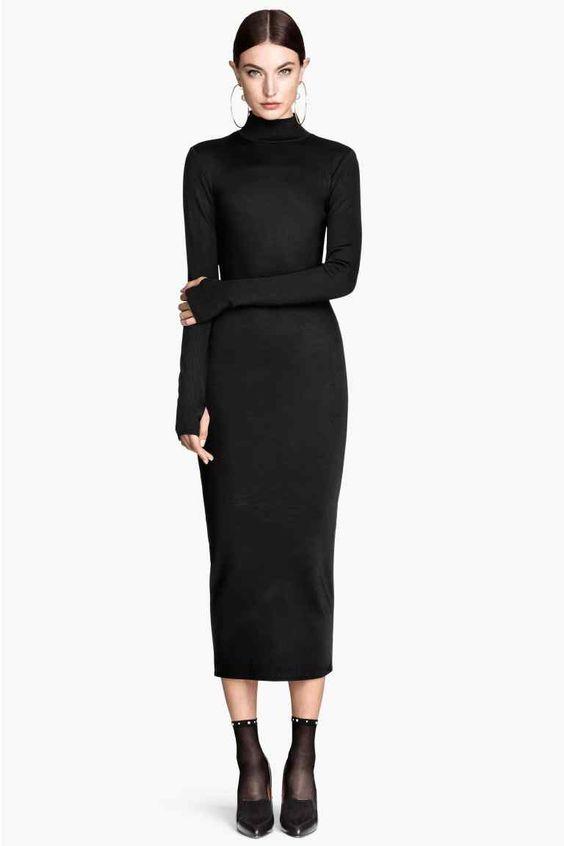 Обтягивающее платье смотрится шикарно, только если оно без декольте и мини