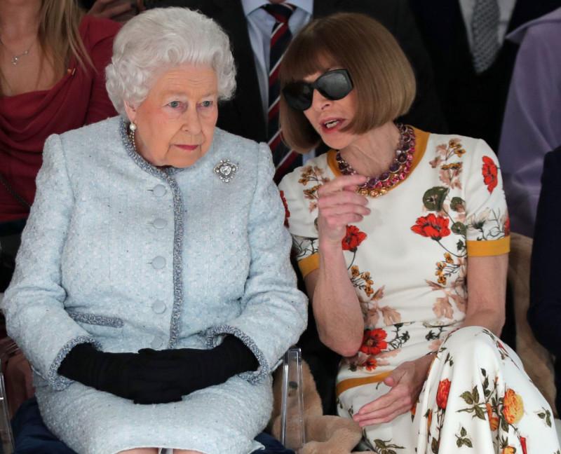 Женская праздная беседа: королева Англии и Анна Винтур, главред британского Вога