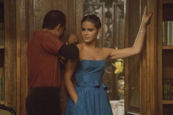 Орнелла мути укрощение строптивого синее платье