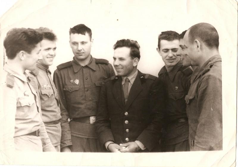Папа (в центре) 1950-60е, Грузия