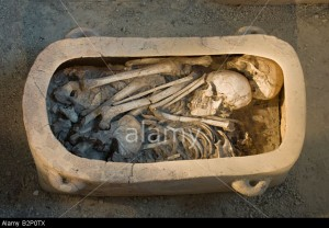 Archanes_Crete_Greece_Archanes_Museum_Skeleton_in_Clay_coffin_or_Larnax-B2P0TX