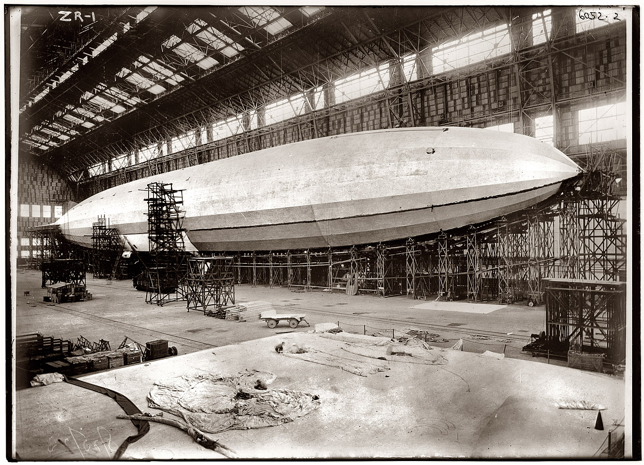 airship_desktop_1300x940_wallpaper-361940