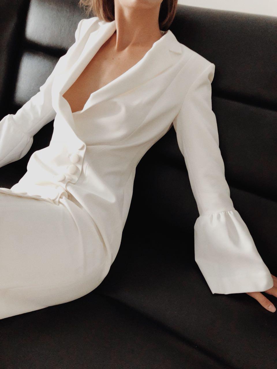 7ddbb4d075a www.helloitisme.ru - дизайнерская женская одежда на Тверской ...