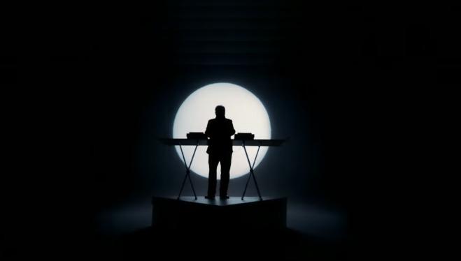 IlluminatiWatcherDotCom-Kylie-Minogue-Giorgio-Moroder-Moon-Cube