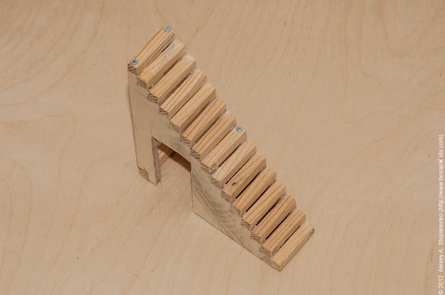 Как сделать лестницу из картона для кукольного домика