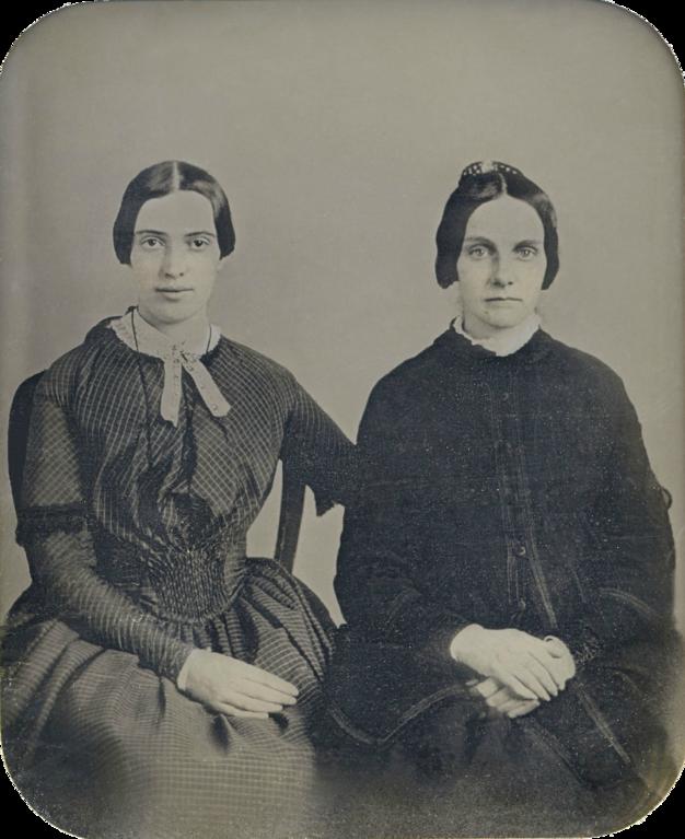Справа — Кейт Скот Тёрнер, некоторые считают, что объект лесбийского влечения Дикинсон (платонического, естественно).