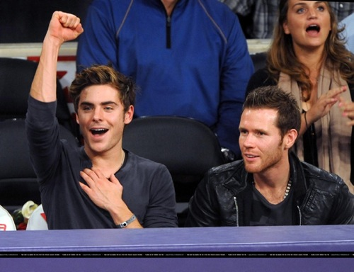 Zac Efron enjoys some bball :D