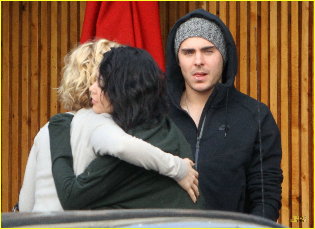 Zac Efron And Vanessa Hudgens Are They Still Dating