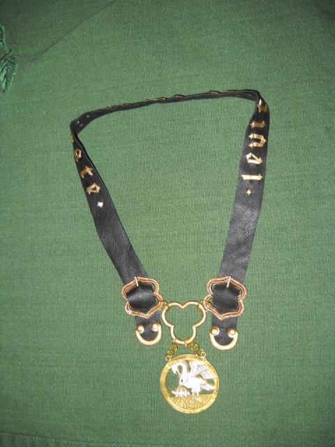 Hilda Pelican Collar