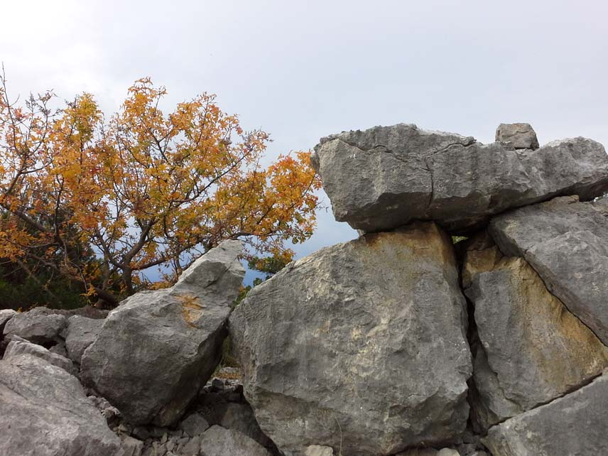 осень - скалы