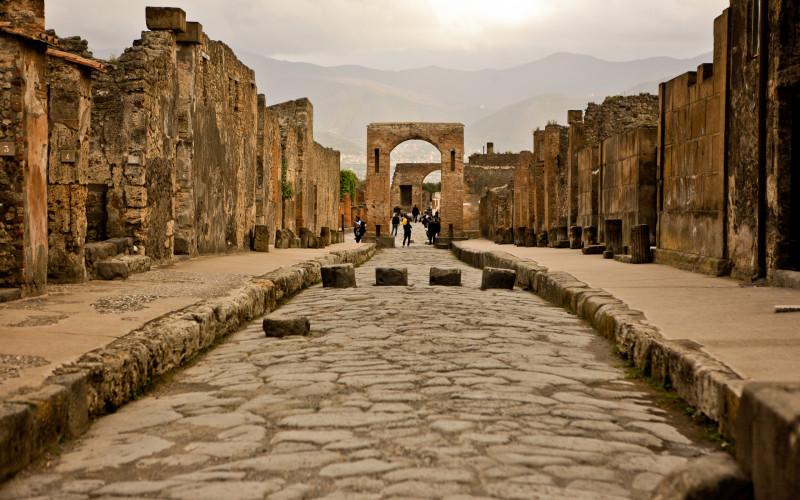 Арка в Помпеях