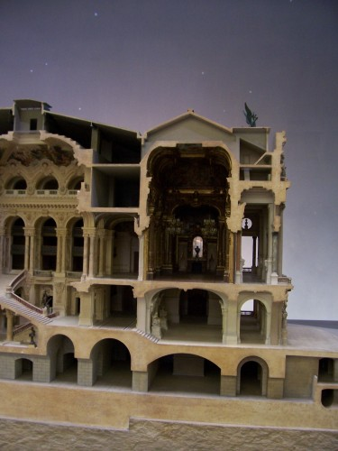 Opera model (5)