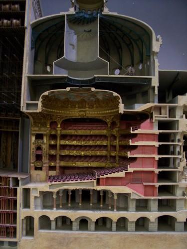 Opera model (3)