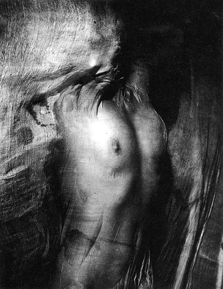 1937-Erwin-Blumenfeld_Nude-under-Wet-Silk