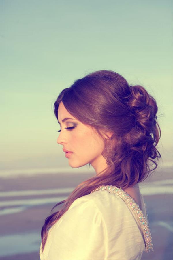 medium-brunette-half-up_mini