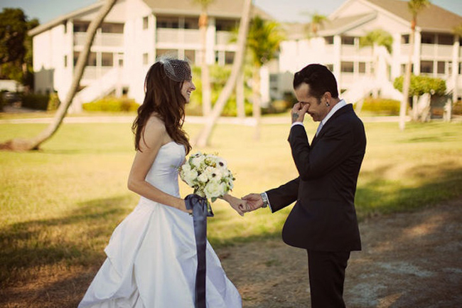 romantic-first-look-wedding-photo-rock-n-roll-bride-and-groom.original