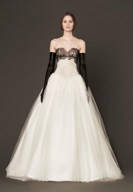 Vera-Wangs-Black-and-White-Wedding-Dress-2014