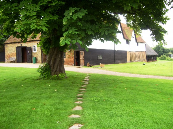 path at temple cressing 2