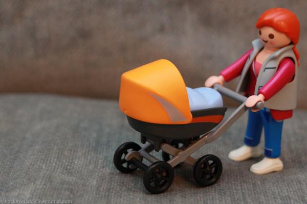 playmobil мама с коляской люлькой