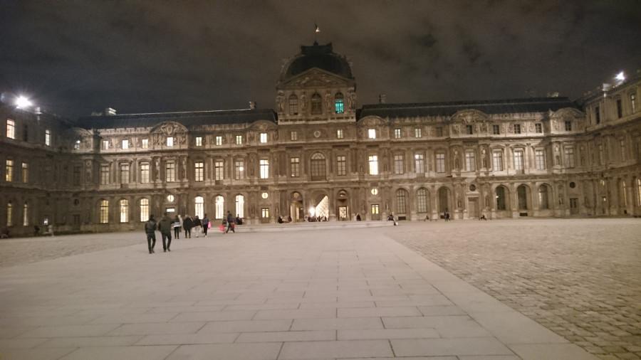 вечерний Лувр