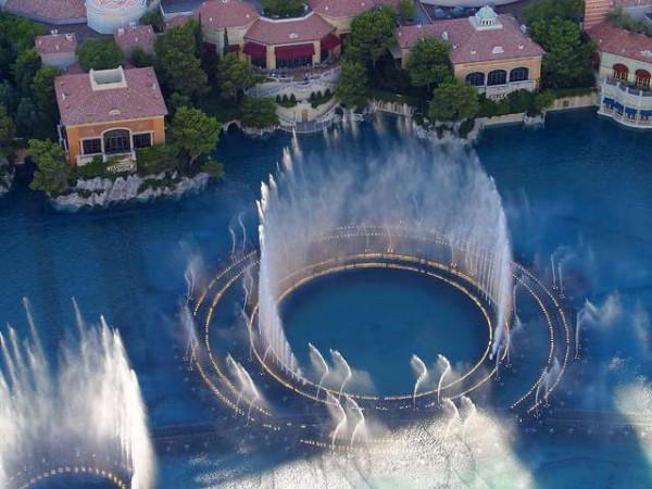 поющие фонтанты Бурдж-Халифа