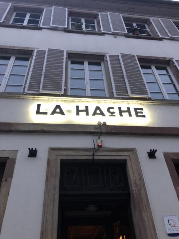 la-hache-image00003-768x1024