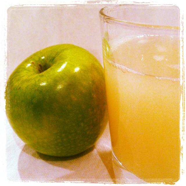 kvas_apple