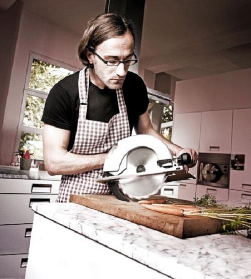 Прикольные картинки мужика на кухне