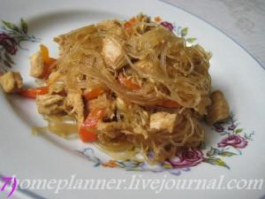 фунчоза с курицей под соевым соусом