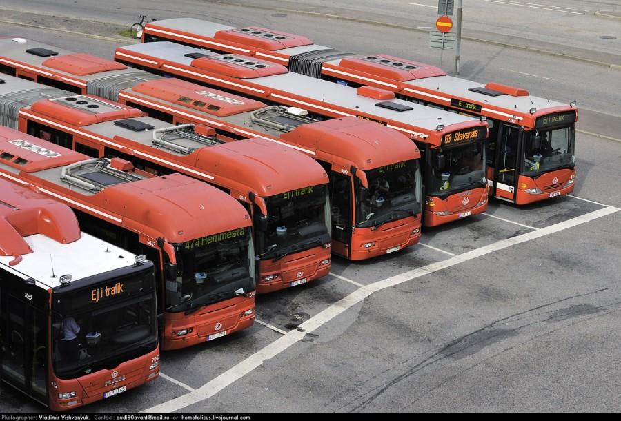 станция красных автобусов.