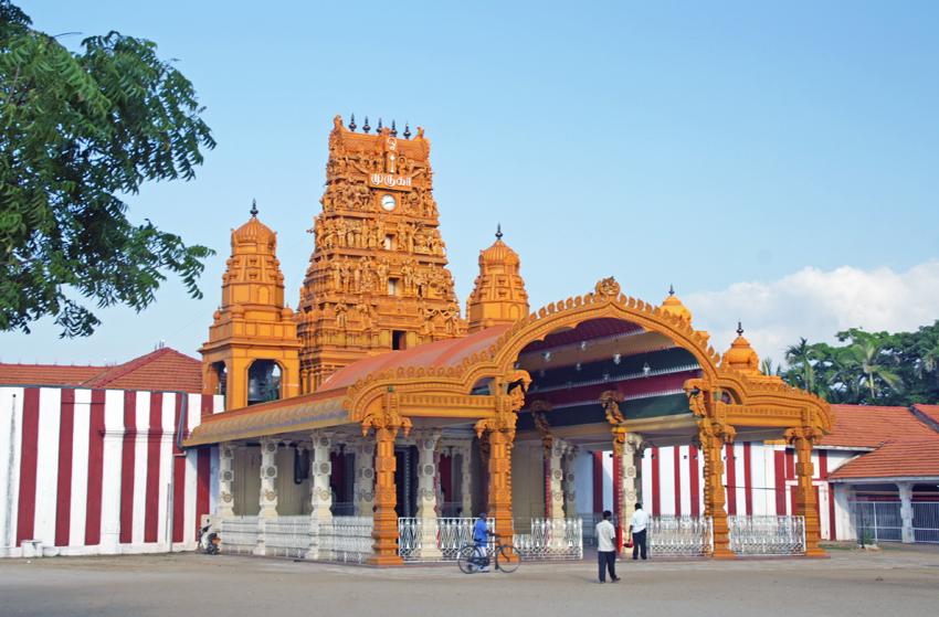 храм с часами мал