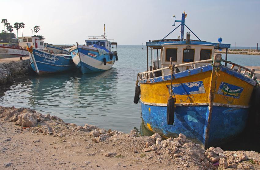 лодки остров Делфт мал