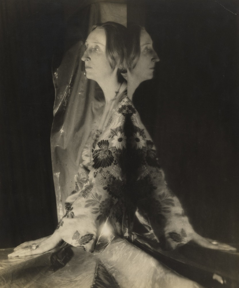 Edith Sitwell. 1927 Cecil Beaton.