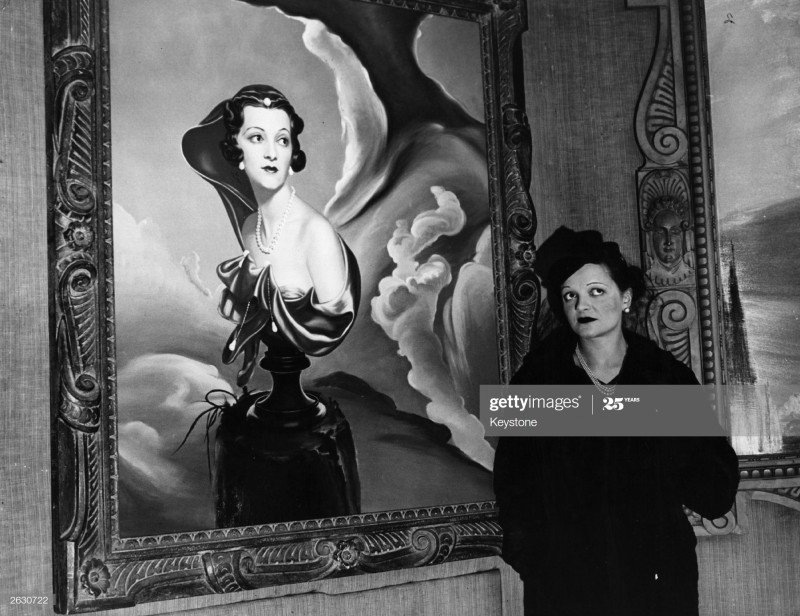 Georgia and her portrait. Photo by Keystone_Getty Images