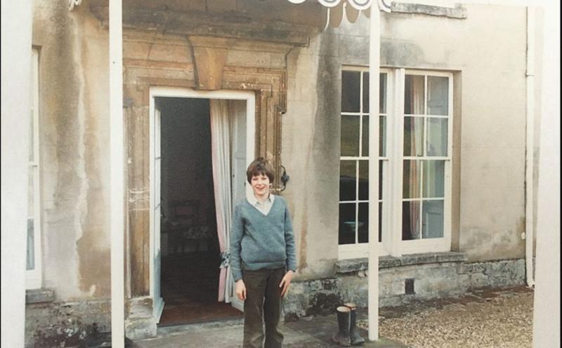 Уильям около дома. 1982 г.